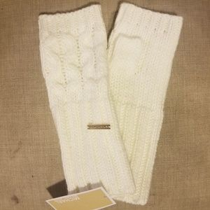NWT**Michael Kors Cable Knit Fingerless Gloves